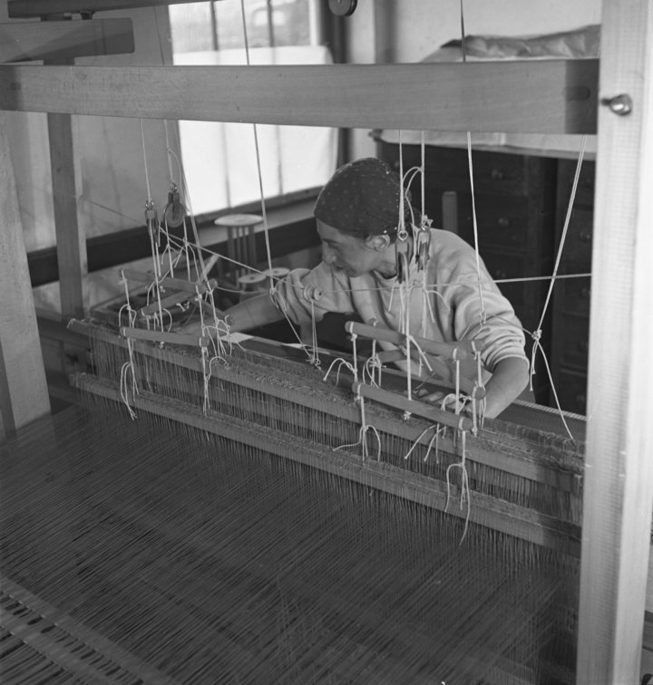 Anni Albers in her weaving studio at Black Mountain College, 1937