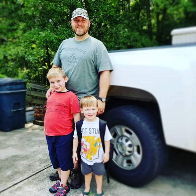 2 of my boys are off camping with Daddy! Which means quality time with Knox and Nash❤❤ While I already miss my other boys, it is so nice to not have to question which boy needs me most, at the moment💙💙 And Knox has a PSA... Young Living's newest sunscreen is the 💣 Toxin free SPF50 with 80 minutes of water resistance! It absorbs super quickly (so no appearing like Casper the friendly ghost) and it's not greasy!