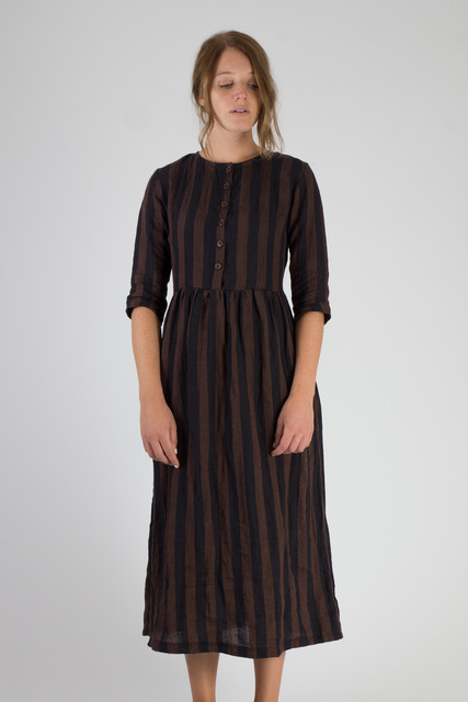 Linen-Dress-Brown-and-Black-Stripe-Full-Length-Fall-Winter-Pyne-and-Smith-Model-14-Style-14101-006-01.jpeg
