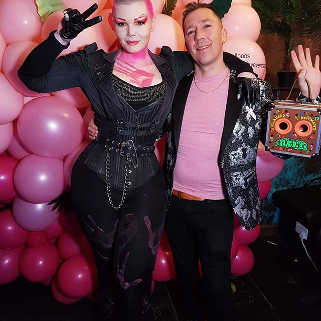 Posing with pop art revolutionary @richardhoffmanartist at #PinkLondon2019 for @pinkribbonfoundation and @filippoioco, created in tandem with Ioco Benefits and sponsored by @zebranocafe and @flamingocandles.  Hand prints by @herewithearl to match my outfit. Bodyart from the night up next!  I'm so proud to be a member of this team, creating bodypaints and networking to raise awareness of breast cancer. If you don't already, be sure to give @pinkribbonfoundation a follow- the work they do is exemplary, raising money for so many different beast cancer charities! All of my makeup colours are by my wonderful sponsor, @cameleonpaint and lasted over 35 hours!  Corset: custom  Gloves: Custom made by me.  Richard's bag: One off made by his ferocious self.  #victoriagugenheim #makeup #instamakeup #cosmetic #cosmetics  #fashion #eyeshadow #lipstick #gloss #mascara #palettes #eyeliner #lip #lips #concealer #foundation #powder #eyes #eyebrows #lashes #lash #glue #glitter #crease #primers #base #beauty #beautiful #swag