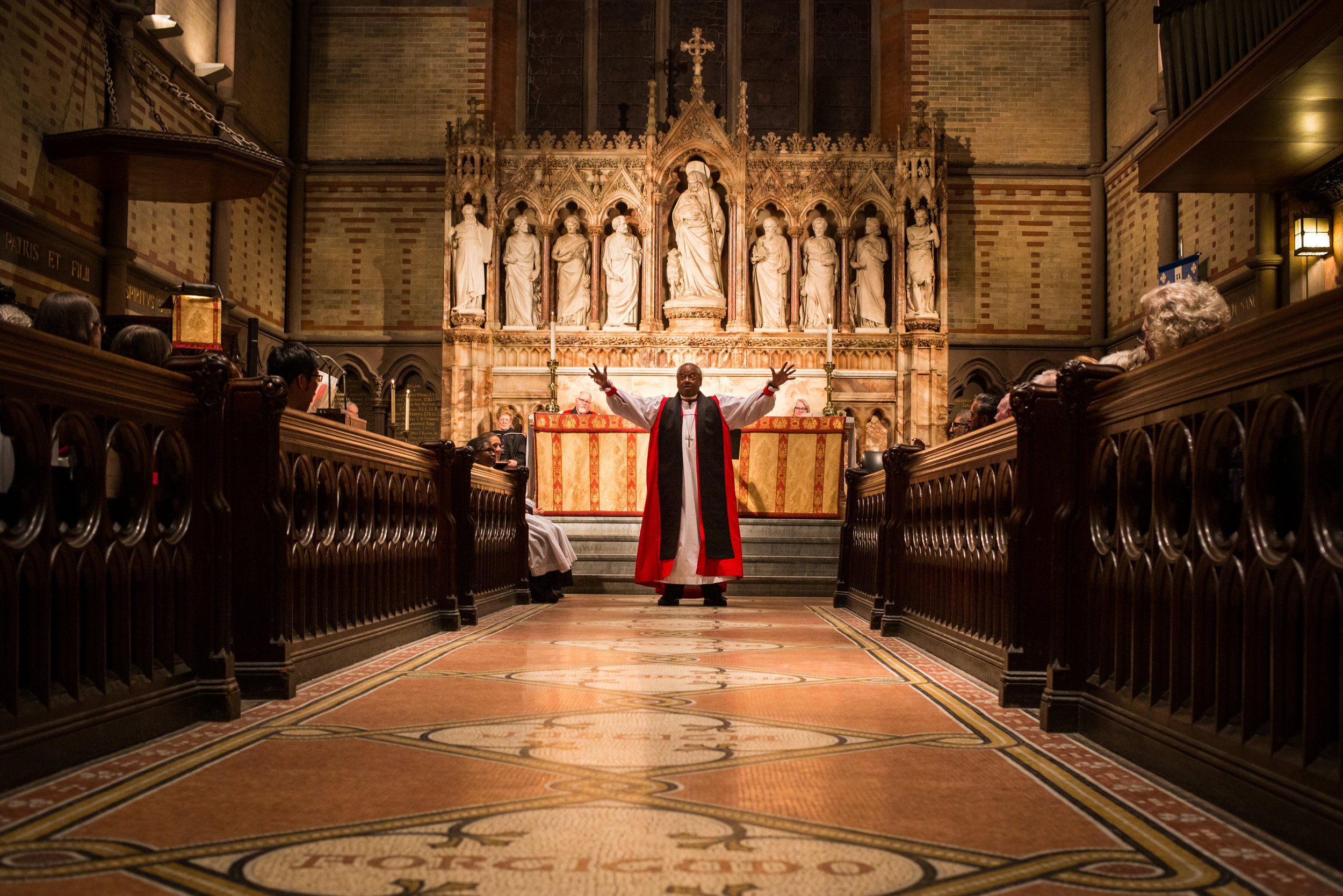 Michael Curry captivates those gathered with a plea to live the Way of Love