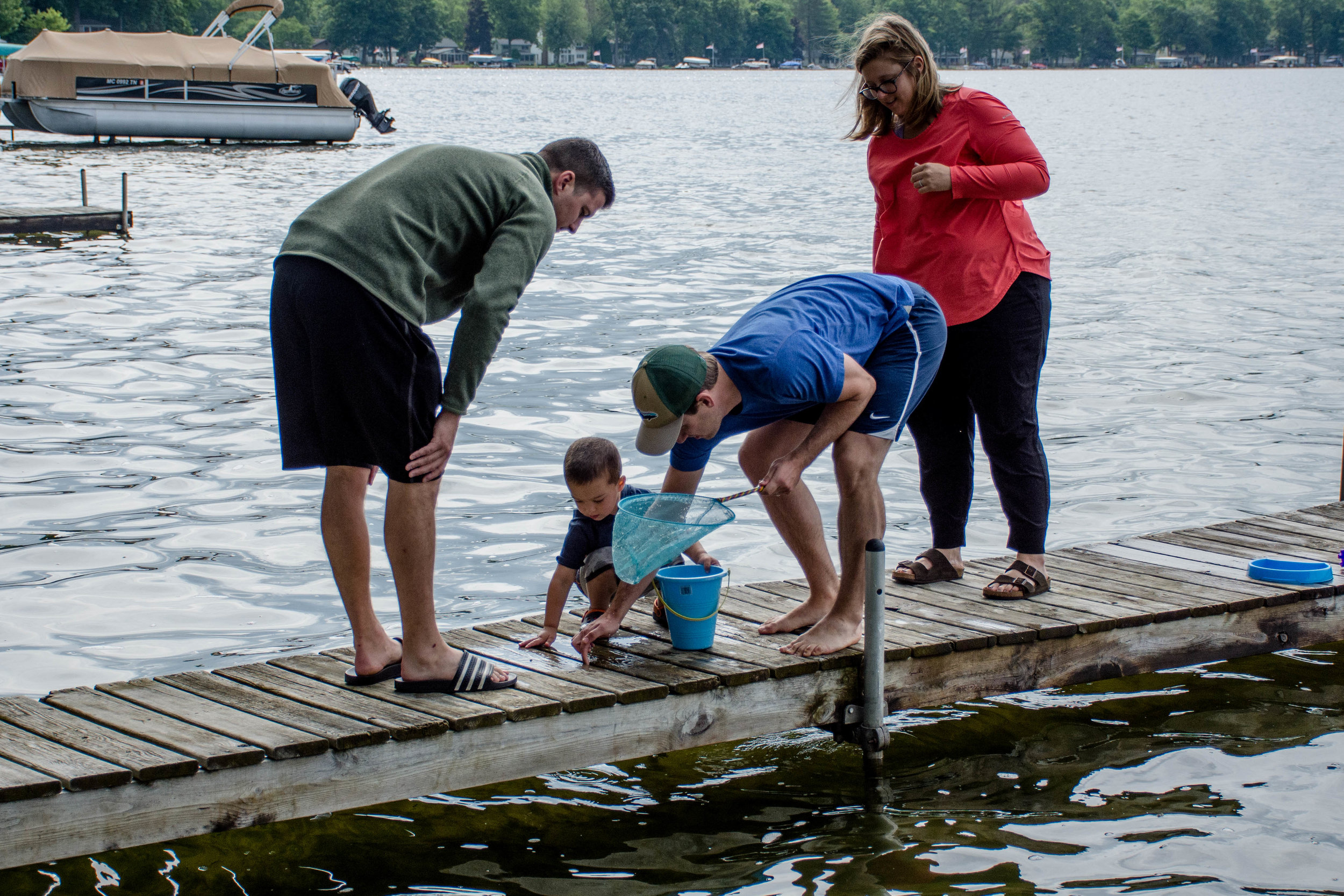 Learning to catch minnows with his auntie, uncle & daddi, turned out to being a favorite activity of the week.