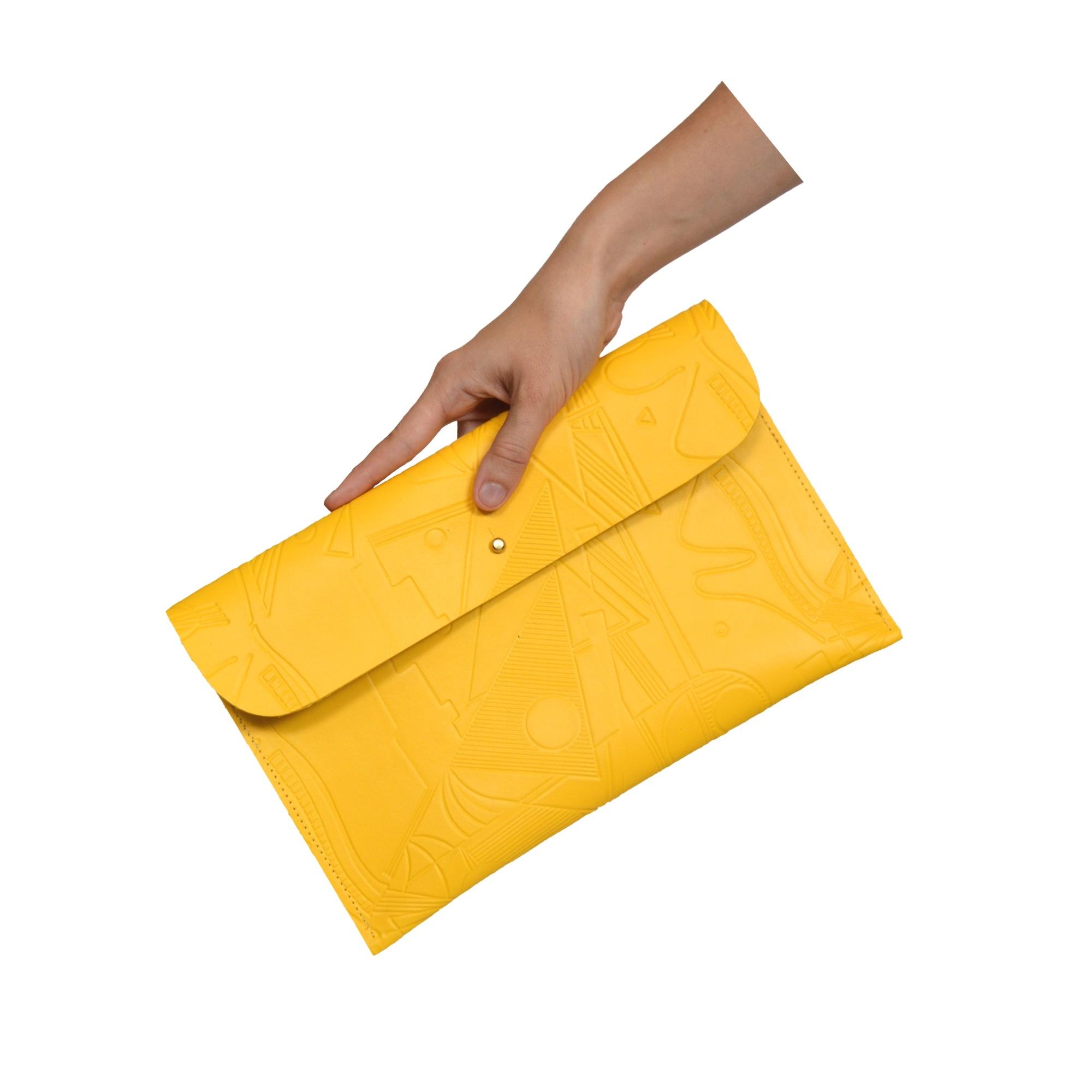 clutch hand square.jpg