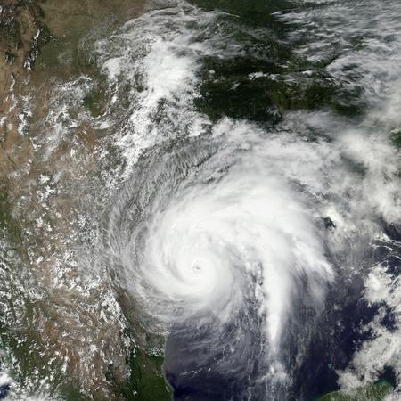 84997779_S_hurricane_storm.jpg
