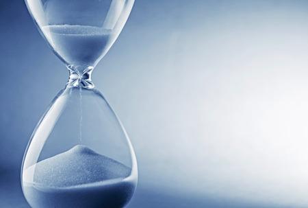 41722506_S_time_hourglass_speedy.jpg