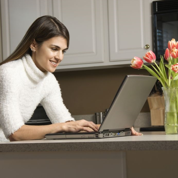 2555077_M_Flower_Laptop_Women.jpg