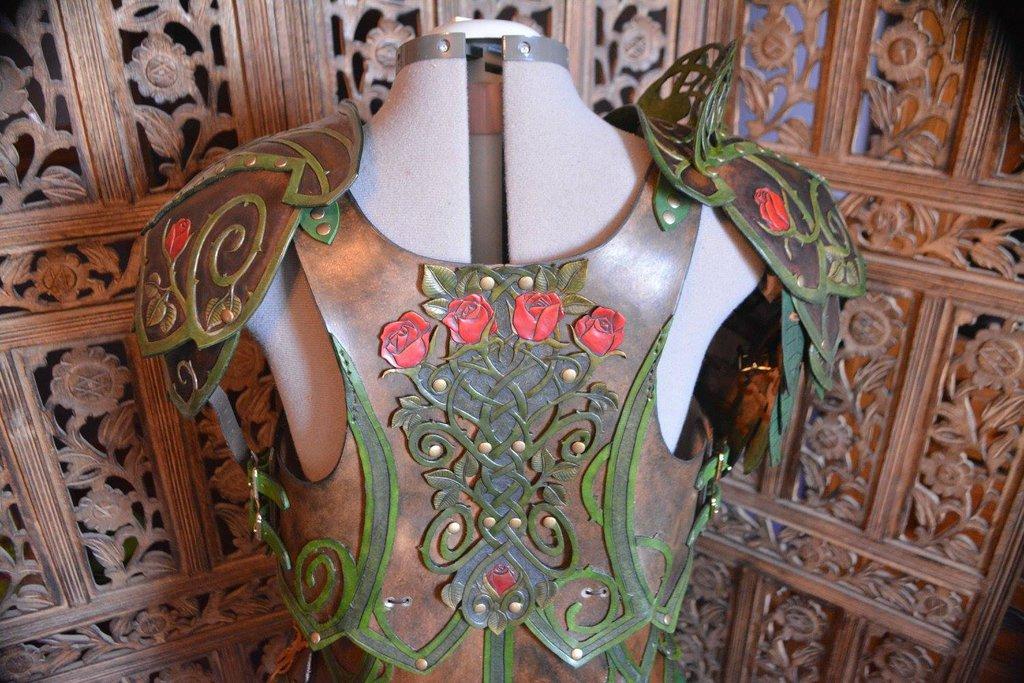 briar_rose_elven_leather_armor_by_savagepunkstudio-daeun8d.jpg
