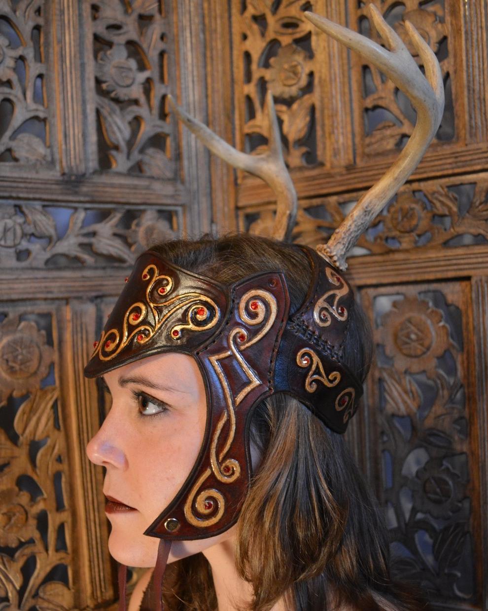 celtic_queen_antler_headdress_by_savagepunkstudio-d6x537y.jpg