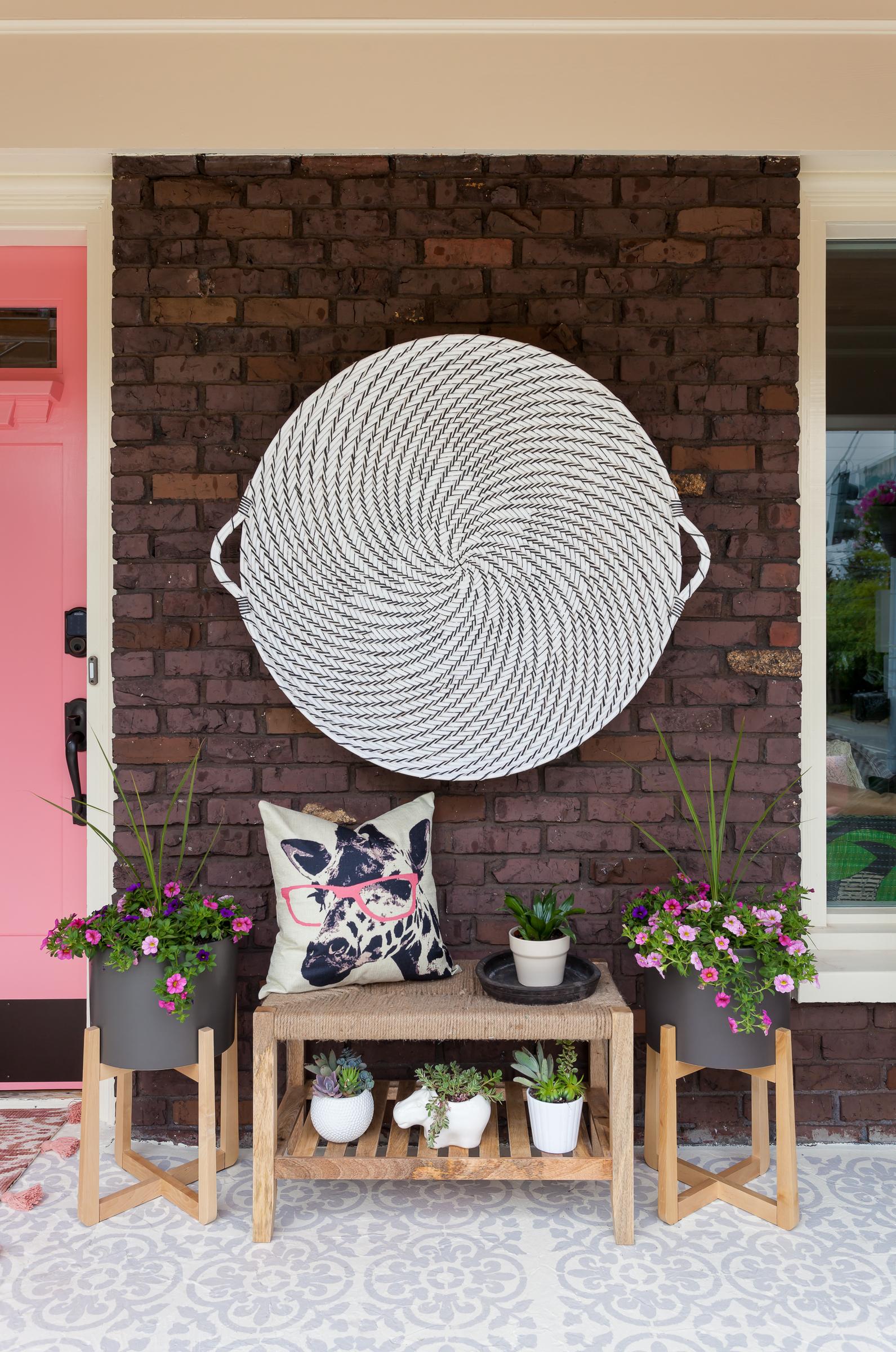 Doorside vignette that I just adore.© Julie Mannell
