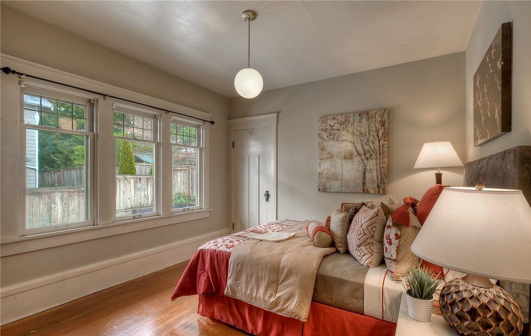 Rebecca Rowland Interiors _Roosevelt_Craftsman_seattle_interior_design_cozy_den_decor_stying