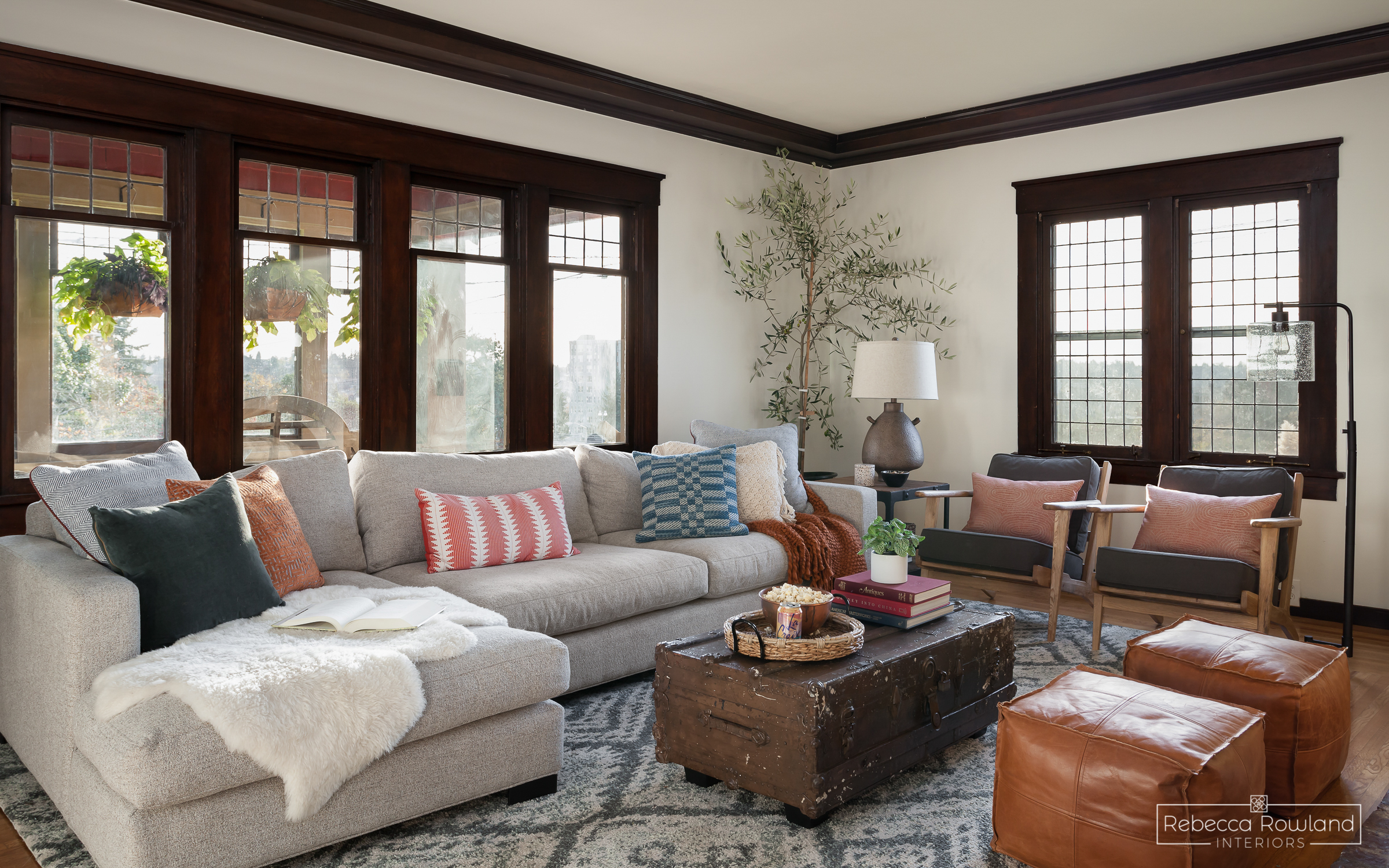 The Roosevelt Craftsman Living Room Reveal. Design by Rebecca Rowland Interiors. Photograph by Julie Mannell.