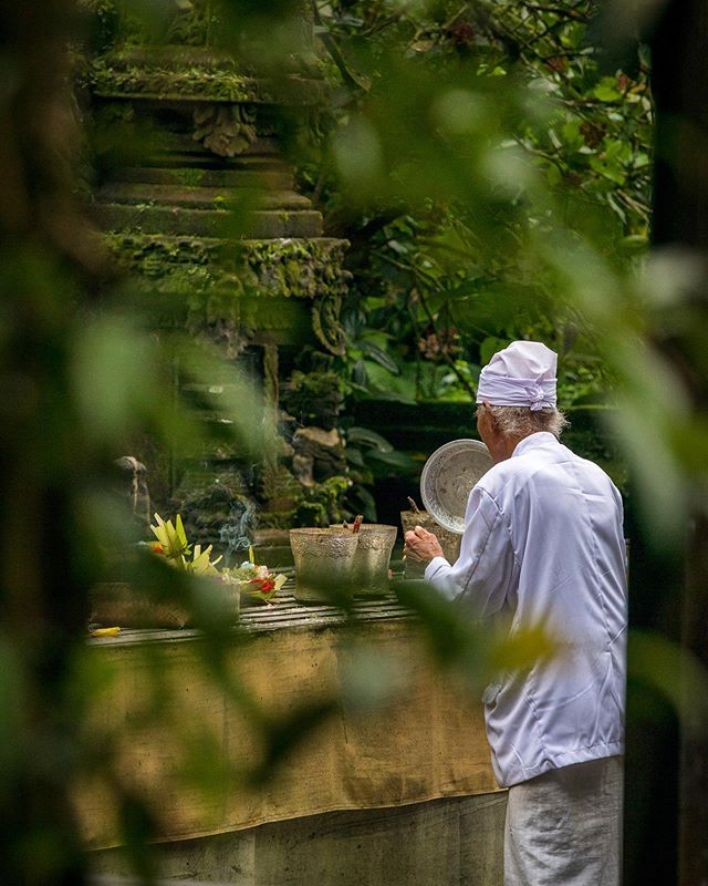On the slope of Mount Batukaru, Pura Luhur Batukaru temple is one of nine directional temples meant to protect Bali from evil spirits. ⠀ Many ceremonies take place here throughout the year. ⠀ ⠀ This temple is the first stop before ascending to the summit of Mount Batukaru. A pilgrimage takes once a year. ⠀ ⠀ Please follow us @optionescape for more travel tips. ⁣⠀ ⁣⠀ Please feel free to ask us any questions about our experiences abroad. We were not sponsored for this trip. We paid our own way and our recommendations and opinions here are our own.⠀ ⠀
