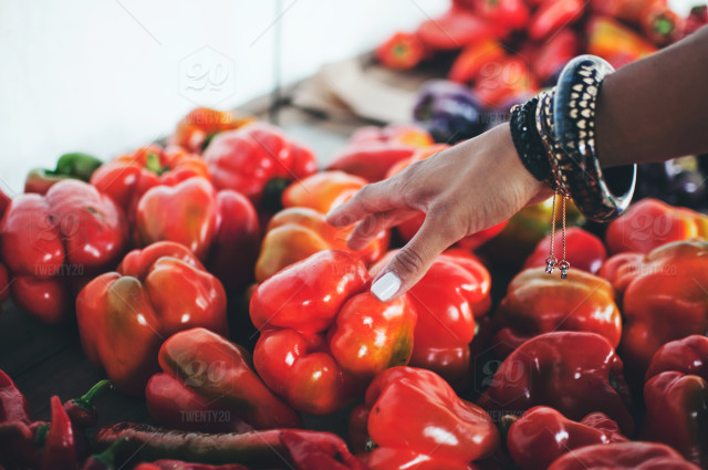 stock-photo-vegetable-red-fresh-produce-reach-woman-peppers-red-pepper-farmers-market-572755bd-65d1-469b-9111-1d04d9936bbd.jpg