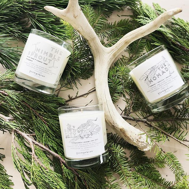 Candles make the best gifts 🎁 handcrafted, eco-friendly and made in Jax with hand-drawn original art work are all icing on top🧁DM us if you'd like to place a holiday order. 🕯 #904 #jaxcreatives #ethicalgifts #igersjax #igersjaxbeach #igersstaugustine #ethicalcandles #handdrawnart #candleart #jaxgifts #boldcity