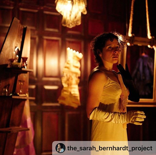 "#Repost @the_sarah_bernhardt_project ・・・ ""It's not my fault that I'm in constant search of new sensations, new delights."" - Sarah Bernhardt #premiere #sarahbernhardt #lafinsarahb #lafin #comedienne #francaise #nyc #theatre #theplayers. Lights/set by @sarah__leriche 📷 by @grobovnikov"