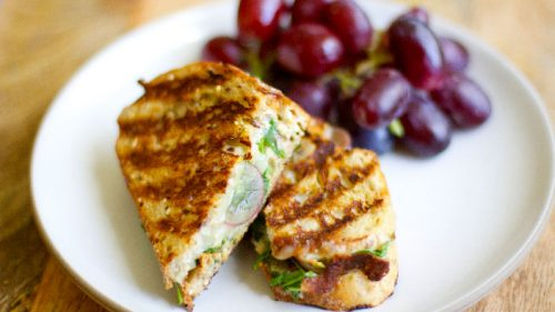 grilled-panini-with-mozzarella-grapes-and-arugula-500x281.jpg