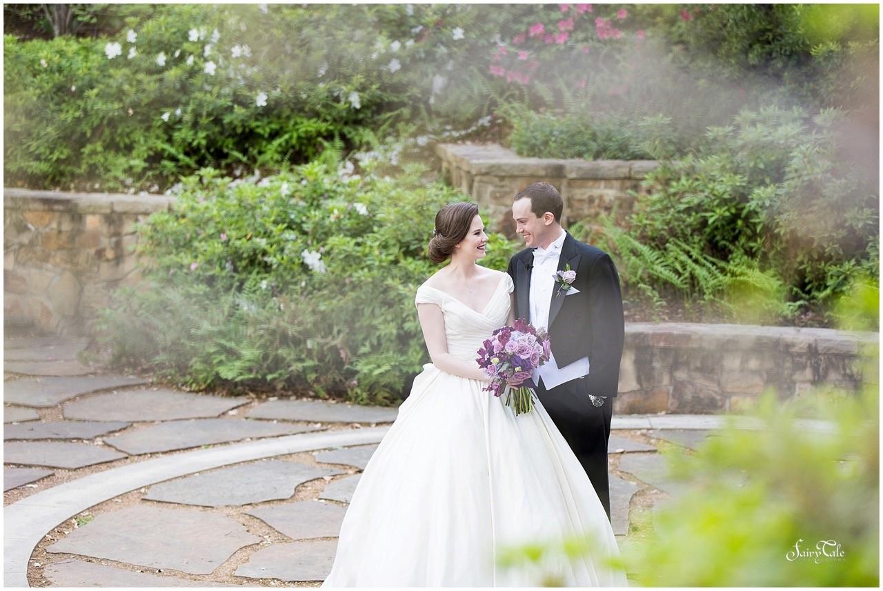 first_look_Swank_Soiree_Dallas_Wedding_Tower_Club_Stradal_Wedding3.jpg