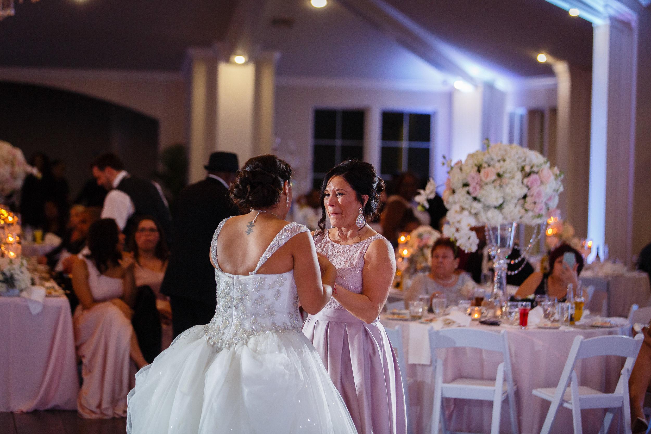 Dallas-wedding-planner-swank-soiree-fort-worth-weddingTLWed1217-687.jpg