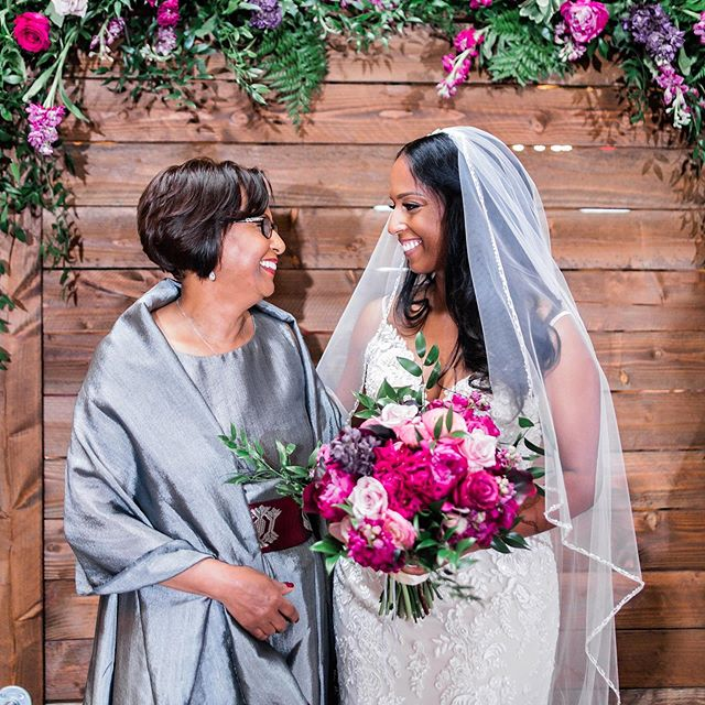 There is nothing stronger than a mothers love 💕 . . So exited to have this gallery in from our friend at @pharrisphotos they never disappoint, never! 🥰 . . Floral @hautefloral  Venue @brakeandclutchwarehouse  More to come..... #dallasbride  #dallasweddingplanner  #dallaswedding  #bridesofnorthtexas  #ethiopianbride  #weddingalter  #ceremonyflowers