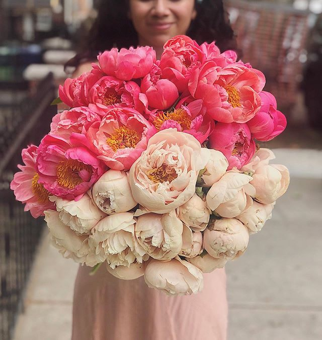 There comes a time for every florist when they've had enough of peonies. I'm nowhere near there yet.  This was a PSA.