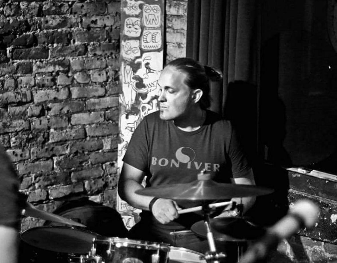 Adam playing at Old Towne Pub in Pasadena, California [2017].