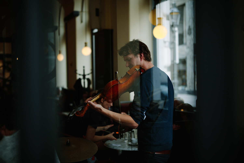 rien Musiksalon_Hands and Bits_(c)Ian Ehm.jpg