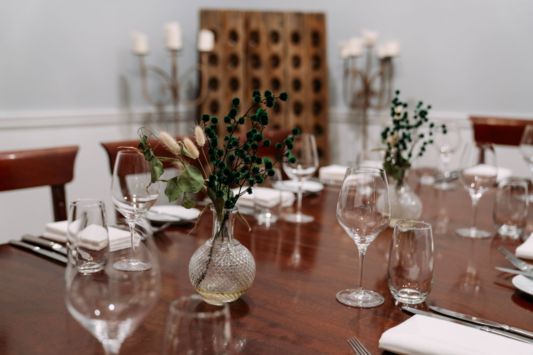 THE PRIVATE DINING ROOM - The Private Dining Room at The Royal Exchange provides complete privacy and is a popular space in which to hold an intimate private lunch, board meeting, workshop, training session and more.CAPACITIESBanquette: 12 GuestsBoardroom: 12 GuestsClassroom: 12 Guests