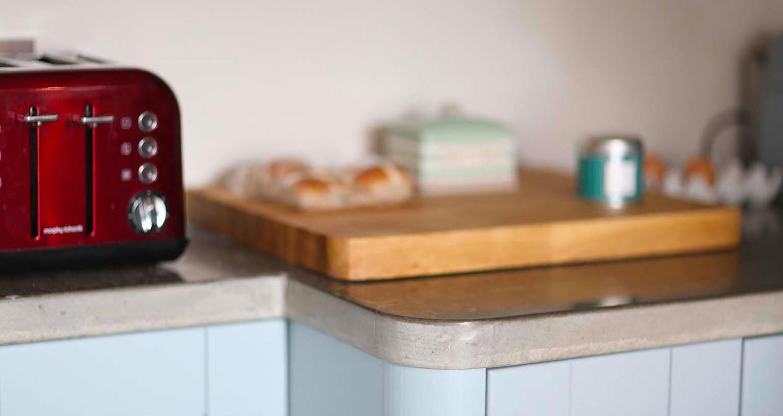 kitchen-concrete-worktop-red-toaster.jpg