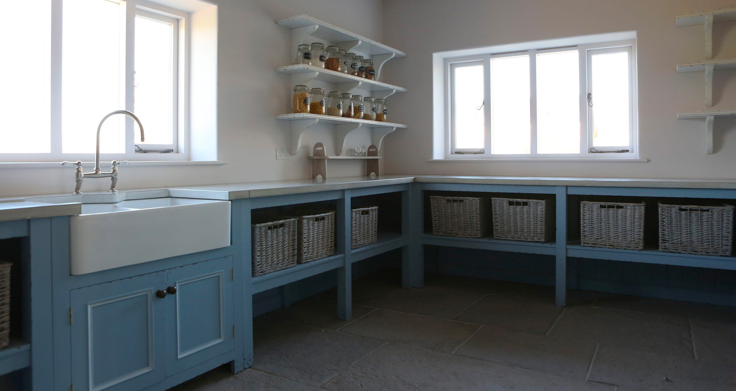 powder-blue-kitchen-unit-concrete-worktops.jpg