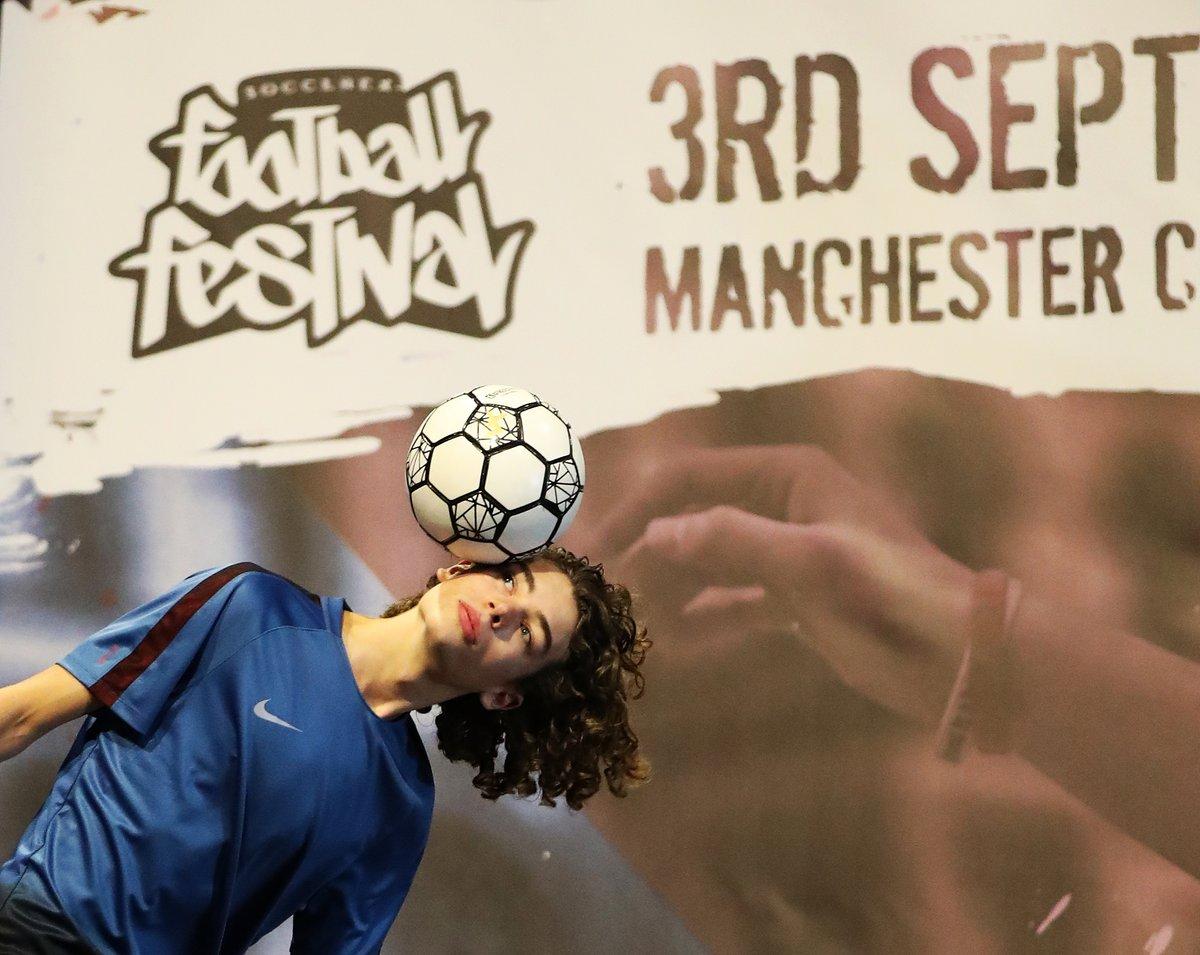 European Freestyle Football Championship - 1e plaats Rookie competitie Casper van Tent