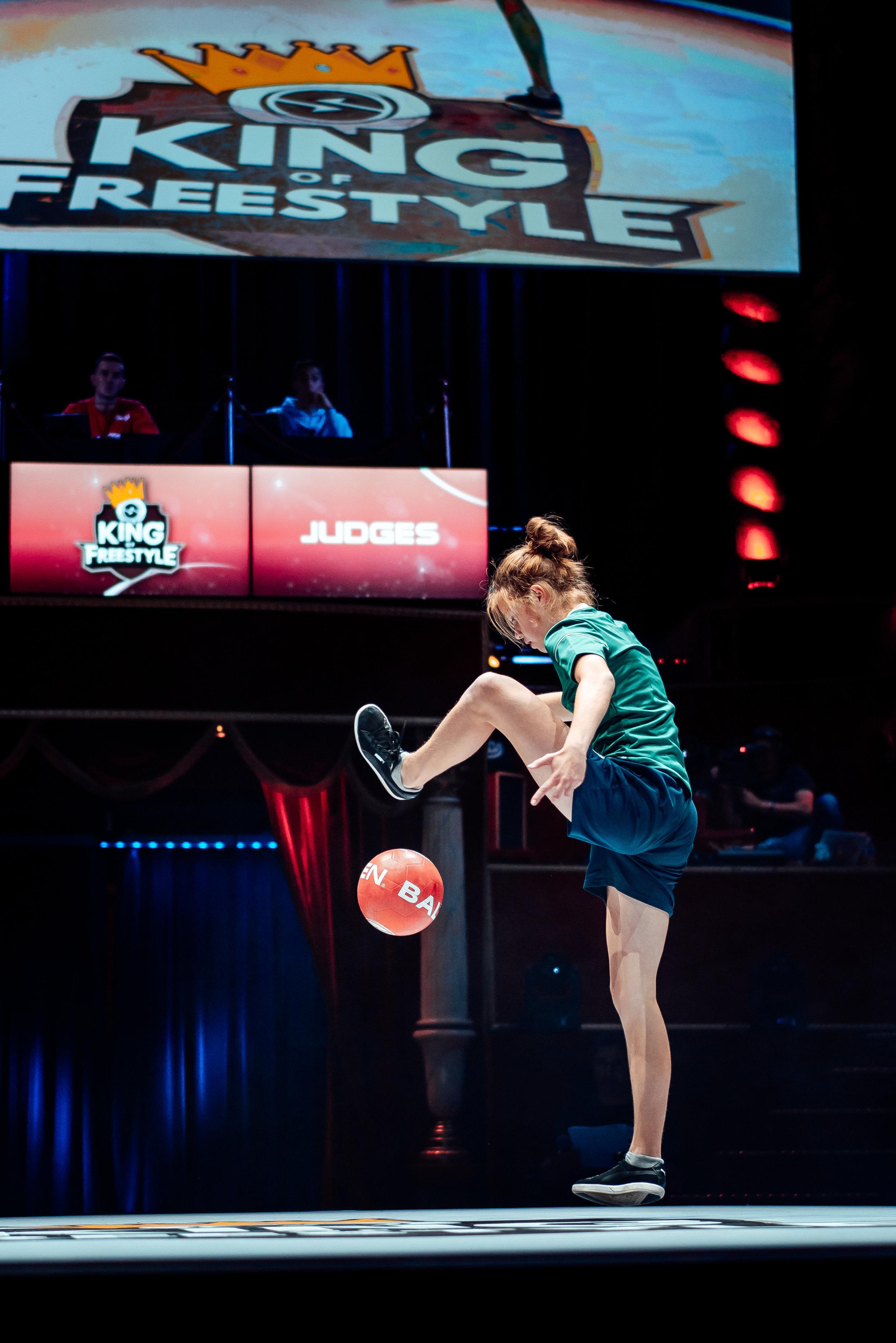 King of Freestyle - Top 4 internationaal/genodigd toernooi in Parijs Laura Dekker