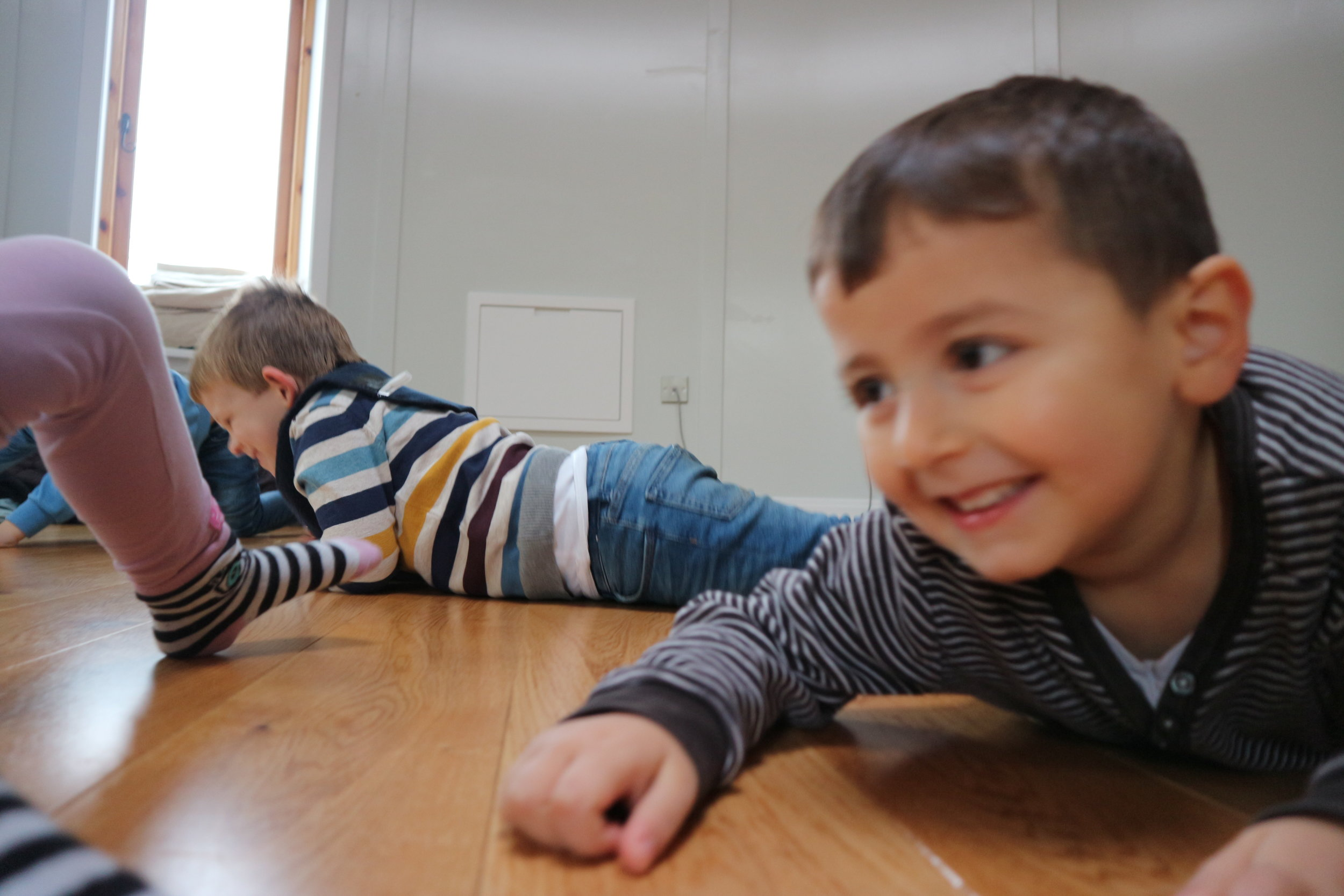 Using the floor - Sliding, rolling, stretching