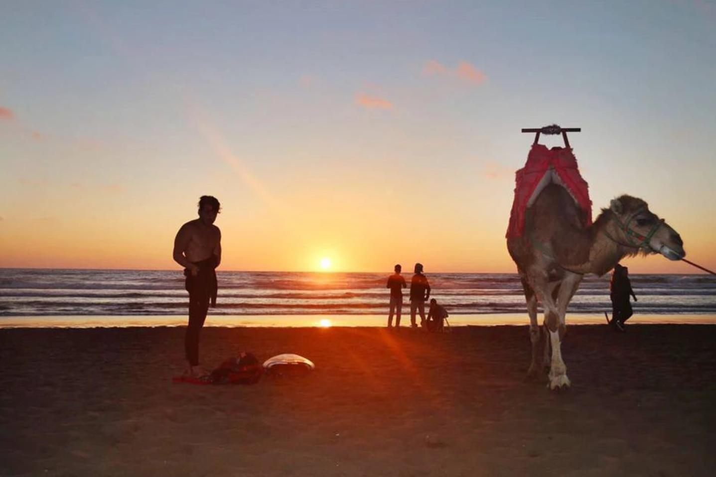 Destino - Tamraght es un oasis de paz, totalmente aislado de las bulliciosas ciudades de Marruecos. Un playa exclusiva para los deportes de mar, con olas periódicas perfectas. Una cultura diferente pero muy enriquecedora, una experiencia única.