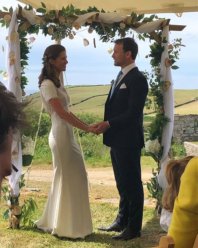Niamh & John's wedding day. Loved it all: One beautiful, very happy couple, the company, the food, the style, the weather, the setting, the effort of arts & craft, the band!!! Bravo Niamh! Always love getting a chance to spend time with you. Xxx