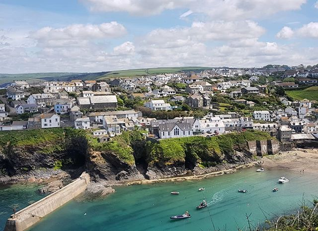 Port Isaac, Cornwall. Spectacular scenery & coastal walks with the best company. A very special day at The Cornish Riviera. X