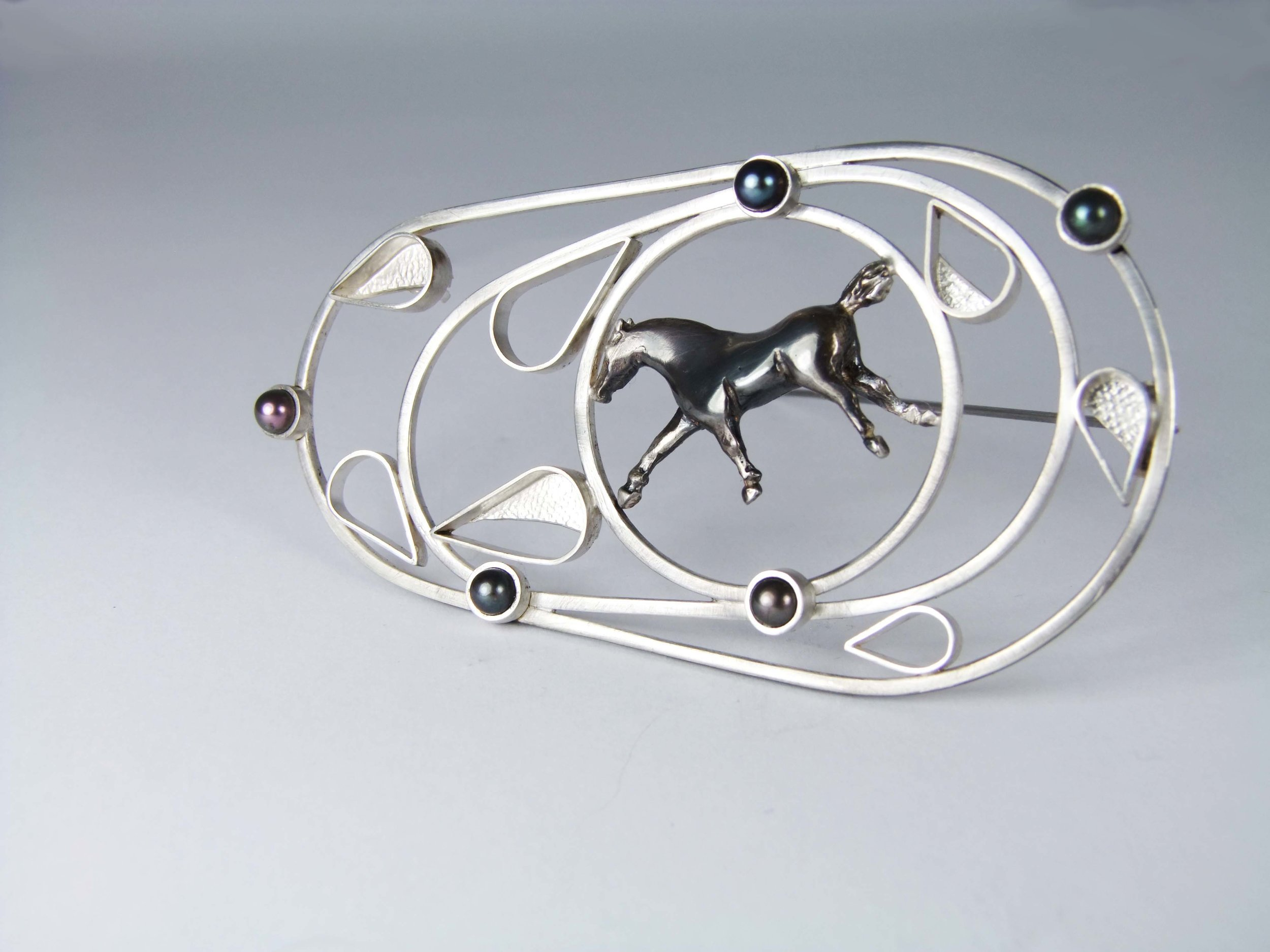 Rachel ELizabeth Wood Bespoke Horse racing Brooch made for Royal Ascot races. Horse galloping brooch pin with pearls
