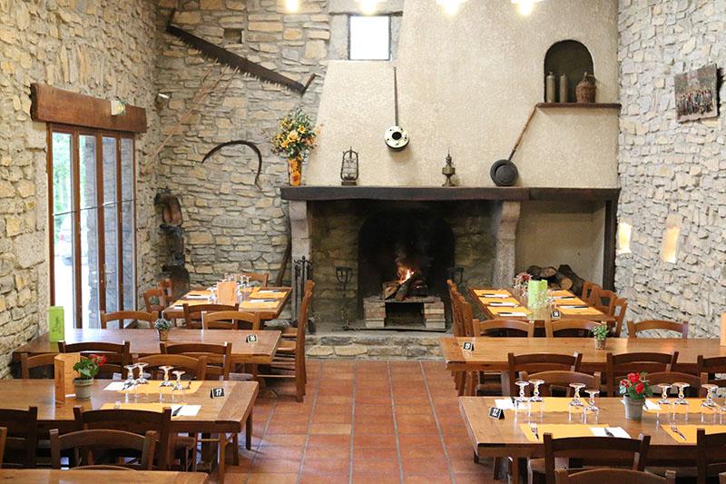 CampingLeChamadou-sudardeche-4etoiles-restaurant4.jpg