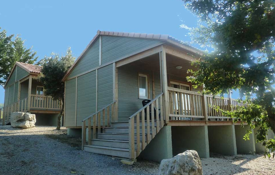 campinglechamadou-sudardeche-4etoiles-locations-mobilhomes-chalets-elite1.jpg