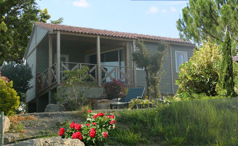 campinglechamadou-sudardeche-4etoiles-locations-mobilhomes-chalets-prestige1.jpg