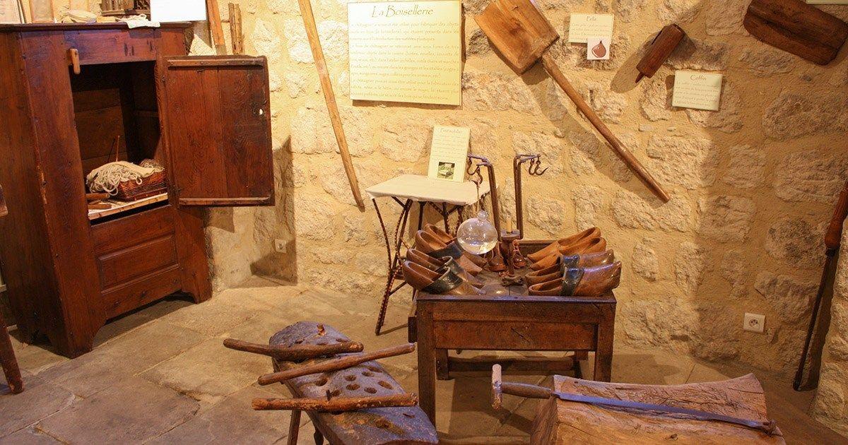 CampingLeChamadou-sudardeche-4etoiles-ardeche-patrimoineculturel-muséedelachataigneraie2.jpg