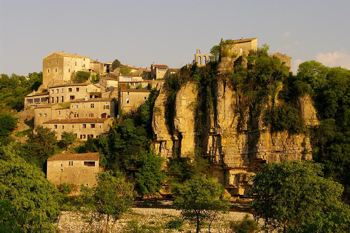 CampingLeChamadou-sudardeche-4etoiles-ardeche-patrimoineculturel-villages-balazuc1