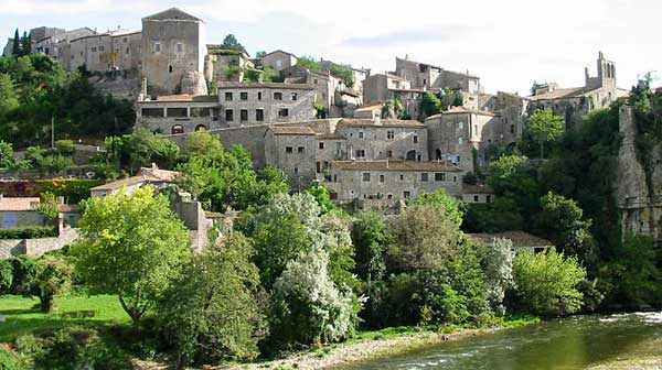 CampingLeChamadou-sudardeche-4etoiles-ardeche-patrimoineculturel-villages-balazuc2