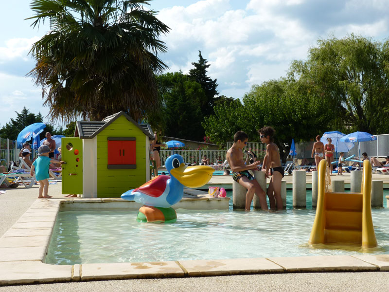 CampingLeChamadou-Ardèche-4étoiles-Piscine-tobogganaquatique-jeux-enfants5