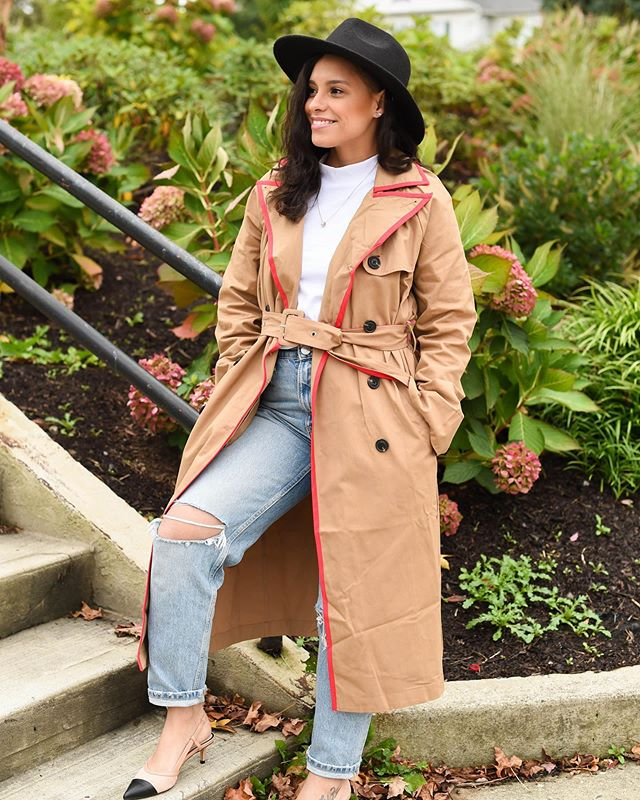 Hello my Fashionistas! Happy Monday to you all!  I got this jacket a few ago from @shopkyrzscloset and I'm so happy to finally be able to wear it. It's perfect for this rainy weather we are having here in Connecticut. The hat is also from @shopkyrzscloset which I got at one of her last pop up shops. It's one of my favorites! 📸PC @paola_kaoud