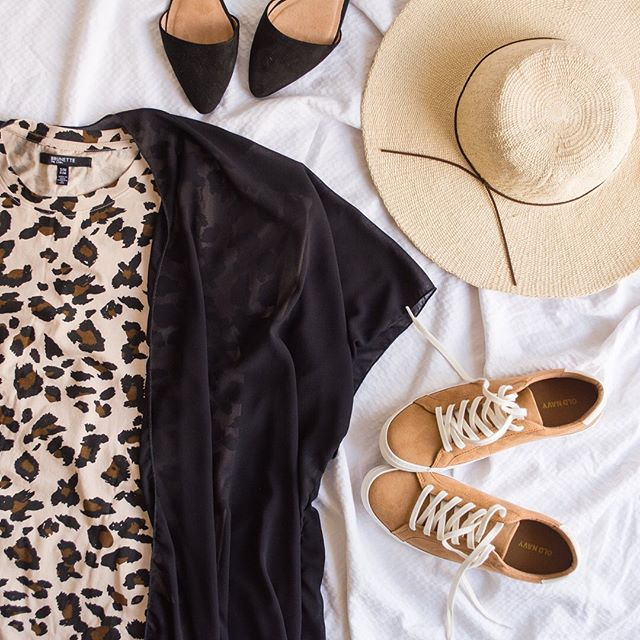 TONS of new stock in store!!! Restock on our animal print @brunettethelabel tee shirt dresses in @thelofton50th. Paired with yours truly, @urbancowgirlco kimono, we got those too!😉. Happy Monday!! @brierbreton