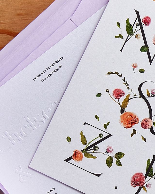 Floral lettering #weddingephemera 🌷🕊🌻
