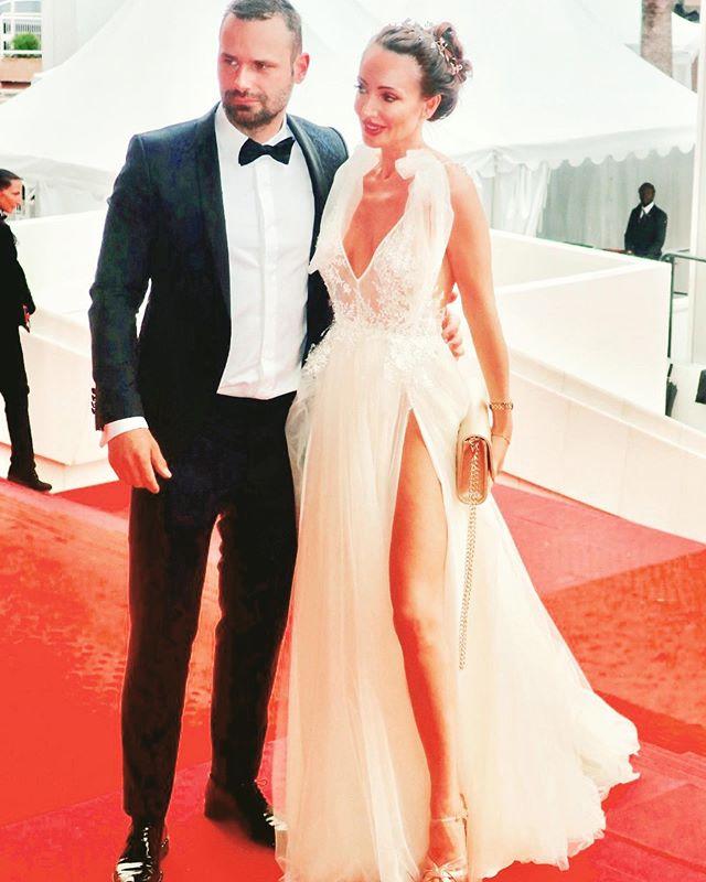 What a dreamy Cannes it was 💫✨🕊 • • •  @morgan_davies_bridal @inbaldrorofficial @hollywood_masters  #cannes2019 #festivaldecannes #actress #redcarpet #premierenight #cotedazur #cannesfilmfestival #makingmemories #film #actresslife #gratitude 💫🙏🏻💖