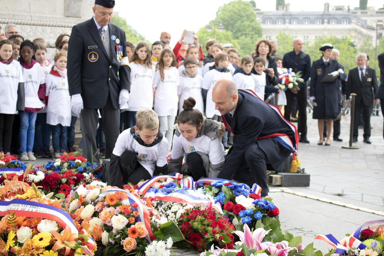 2018-05-14 - Invalides et cÇrÇmonie du ravivage de la flamme du Soldat inconnu Arc de Triomphe - 340 - S.jpg