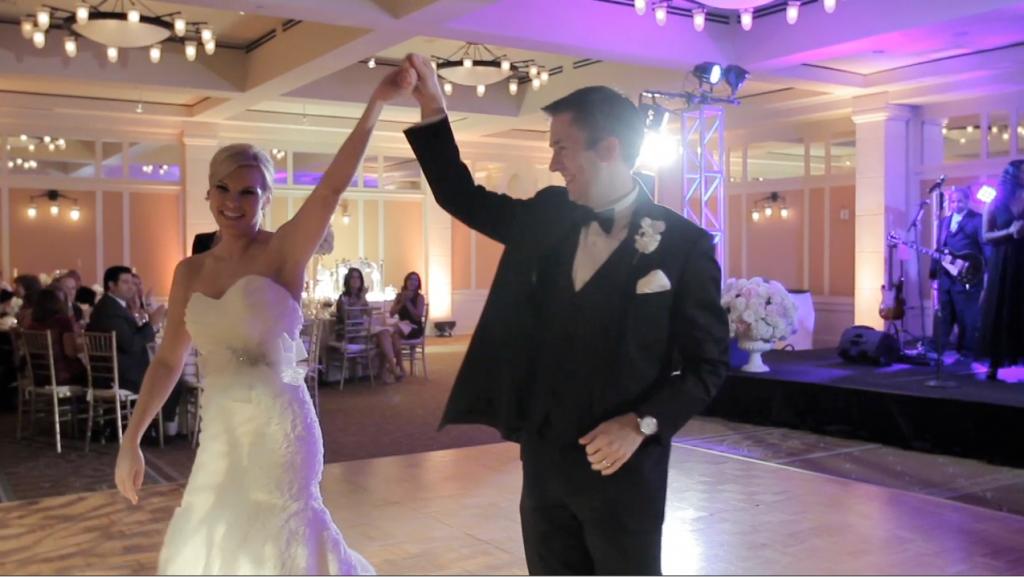 Barton Creek Lizze Belle Austin Wedding Video Pic 04 First Dance