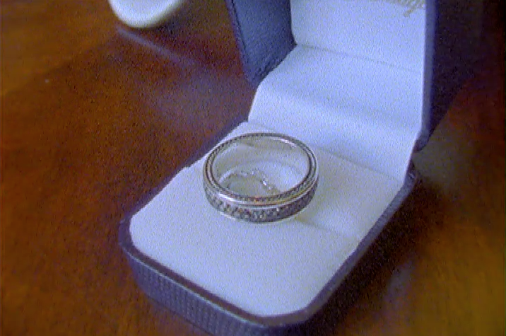 Super8 Vintage 8mm Film Wedding Video Pic 02 ring set